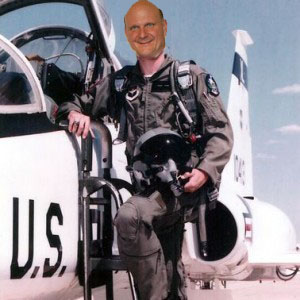 Why Microsoft Needs a Fighter Pilot Instead of a Moist N' Easy Snack Cake Salesman