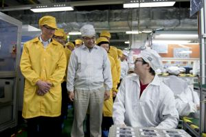 Tim Cook's US Manufacturing Reality Distortion Field